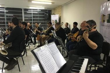 Big Band Brusque realiza ensaio aberto gratuito na EEB Ivo Silveira