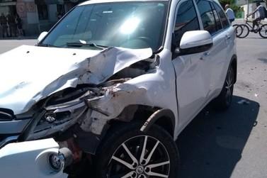 Motociclista fica em estado grave com acidente no Santa Terezinha, neste sábado