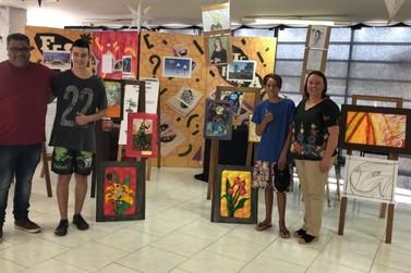 """Alunos do projeto """"Despertando Talentos"""" realizam mostra de projetos na Fundação"""
