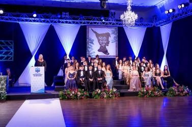 Cerimônia marca formatura da primeira turma do Colégio Unifebe
