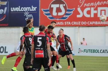 Após pênalti polêmico, Joinville reclama nas redes sociais