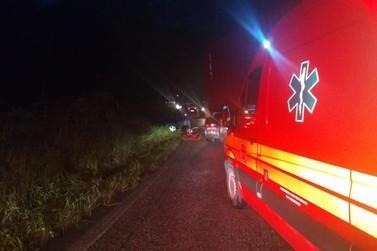 Caminhão se envolve em acidente com carro em rodovia de Brusque