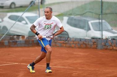 Dez tenistas de Brusque participam da Copa Abertura em Santa Catarina