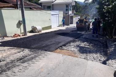 Ruas danificadas pelas chuvas passam por recuperação