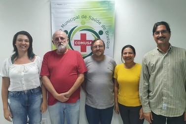 Secretário empossa novos integrantes do Conselho Municipal de Saúde