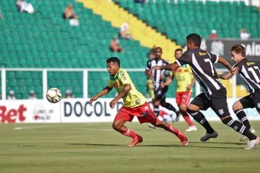 Com os reservas, Brusque FC perde na capital e se classifica em segundo lugar