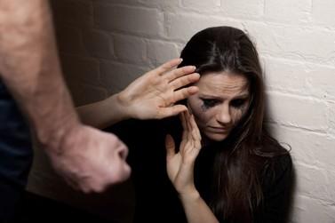 Em Brusque, homem é preso após bater na mãe e ameaçá-la de morte