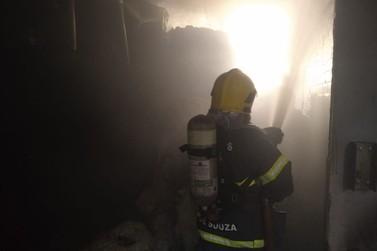 Fiação têxtil, no São Pedro, é atingida por incêndio