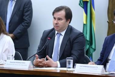 Rodrigo Maia diz que não é hora para conflito entre governo federal e estados