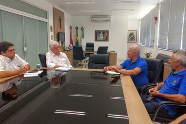 Prefeito de Brusque se reúne com representantes da Apvaeb