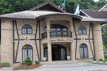 Vereadores de Brusque farão sessão por WhatsApp nesta quinta (26)