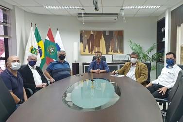 CDL e Sindilojas apresentam solicitações regionais ao deputado Coronel Armando