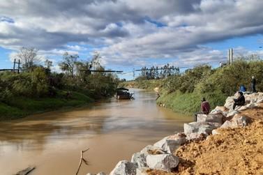 Corpo de homem desaparecido após cair no rio Itajaí Mirim é encontrado