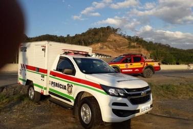 Homem de 43 anos morre após ser atropelado por carreta, em Gaspar