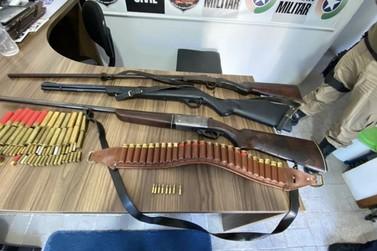 Homem é preso em Botuverá com armas e munições