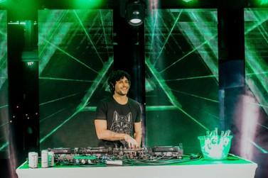 Live de DJ Jesus Luz, em Brusque, reúne grande público online