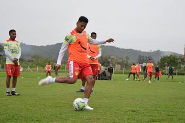 Brusque encara o Ceará com mudança no ataque e retorno de Marco Antônio