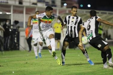 Brusque pressiona, mas perde para o Ceará e se complica na Copa do Brasil
