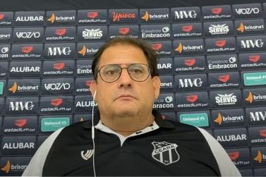"""Guto Ferreira elogia Brusque em coletiva: """"padrão de jogo bastante interessante"""""""