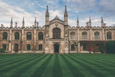 Aluna do IFC de Brusque passa em concurso da Universidade de Cambridge