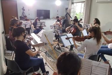 Conheça a associação cultural brusquense que possui orquestra e camerata