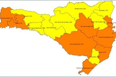 Covid-19: mapa mostra oito regiões em nível alto e outras oito em nível grave