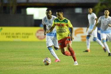 Brusque perde para o Londrina e chega a quarta partida sem vitória na Série C
