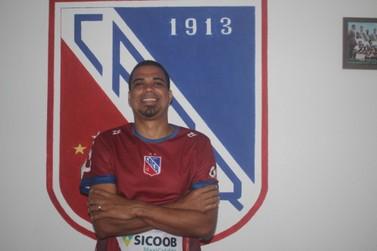 Carlos Renaux anuncia contratação de Leandrão para a Série C do estadual