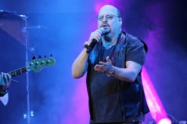 Morre Paulinho, cantor e percussionista do grupo Roupa Nova