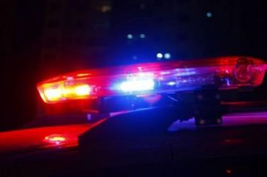 Motociclista de 38 anos é levada ao hospital após acidente no Primeiro de Maio