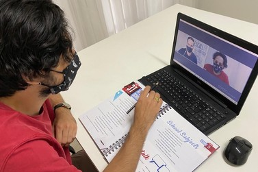 Conheça a escola de inglês em Brusque referência em curso online