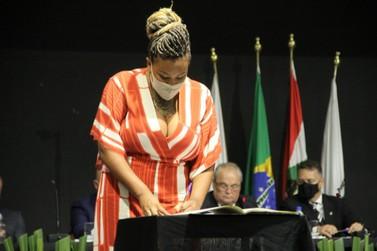Em nota, vereadora defende eleição para diretores de escolas em Brusque