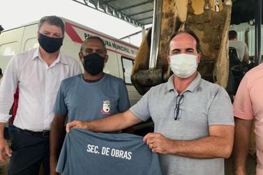 Prefeitura de Guabiruba fornece uniforme à Secretaria de Obras