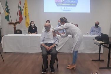 Urgente: Brusque inicia vacinação contra a covid-19