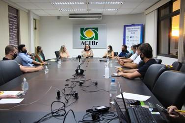 ACIBr media reunião entre Núcleos do setor têxtil e órgãos ambientais