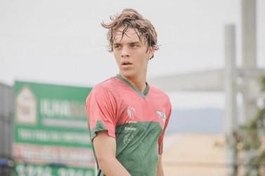 Apostando na juventude, Brusque anuncia contratação do volante Pepê, de 18 anos