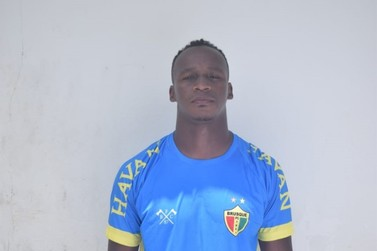 Brusque FC acerta contratação do meia Tinga
