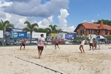 Competições de Tênis e Futevôlei agitaram o fim de semana em Brusque