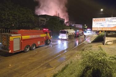 Corpo de Bombeiros atualiza situação de empresa que pegou fogo no Dom Joaquim
