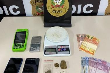 Homem é preso por tráfico de drogas e receptação