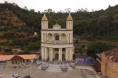 Paróquia de Azambuja suspende missas presenciais em dois finais de semana