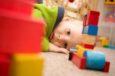 Ama, Uniasselvi e Secretaria de Educação lançam curso sobre Autismo