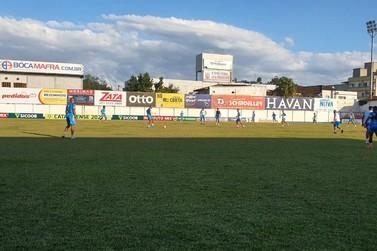 Bruscão realiza último treino tático antes do jogo contra o Avaí
