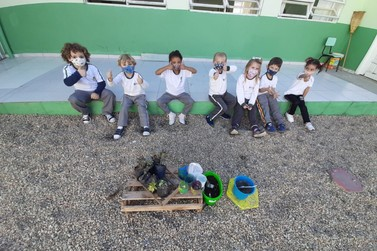 Projeto escolar da rede municipal de ensino realiza cultivo de suculentas