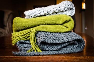 Unifebe lança campanha para arrecadar cobertores e roupas de inverno