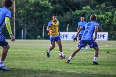 Brusque FC treina e se prepara para enfrentar o Londrina, neste sábado (5)
