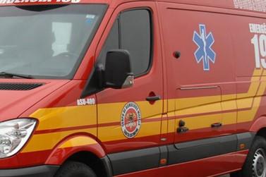 Caminhão carregado com madeira tomba e mata quatro pessoas, na 101