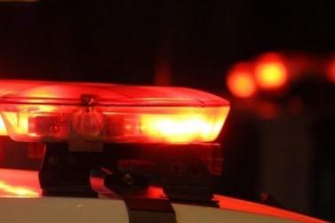 Mulher chama a polícia após ser agredida por companheiro, no Bateas