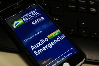 Caixa paga, neste domingo (29), auxílio emergencial a nascidos em novembro