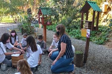 Projeto Escola Amiga das Abelhas é apresentado em Congresso Ambiental